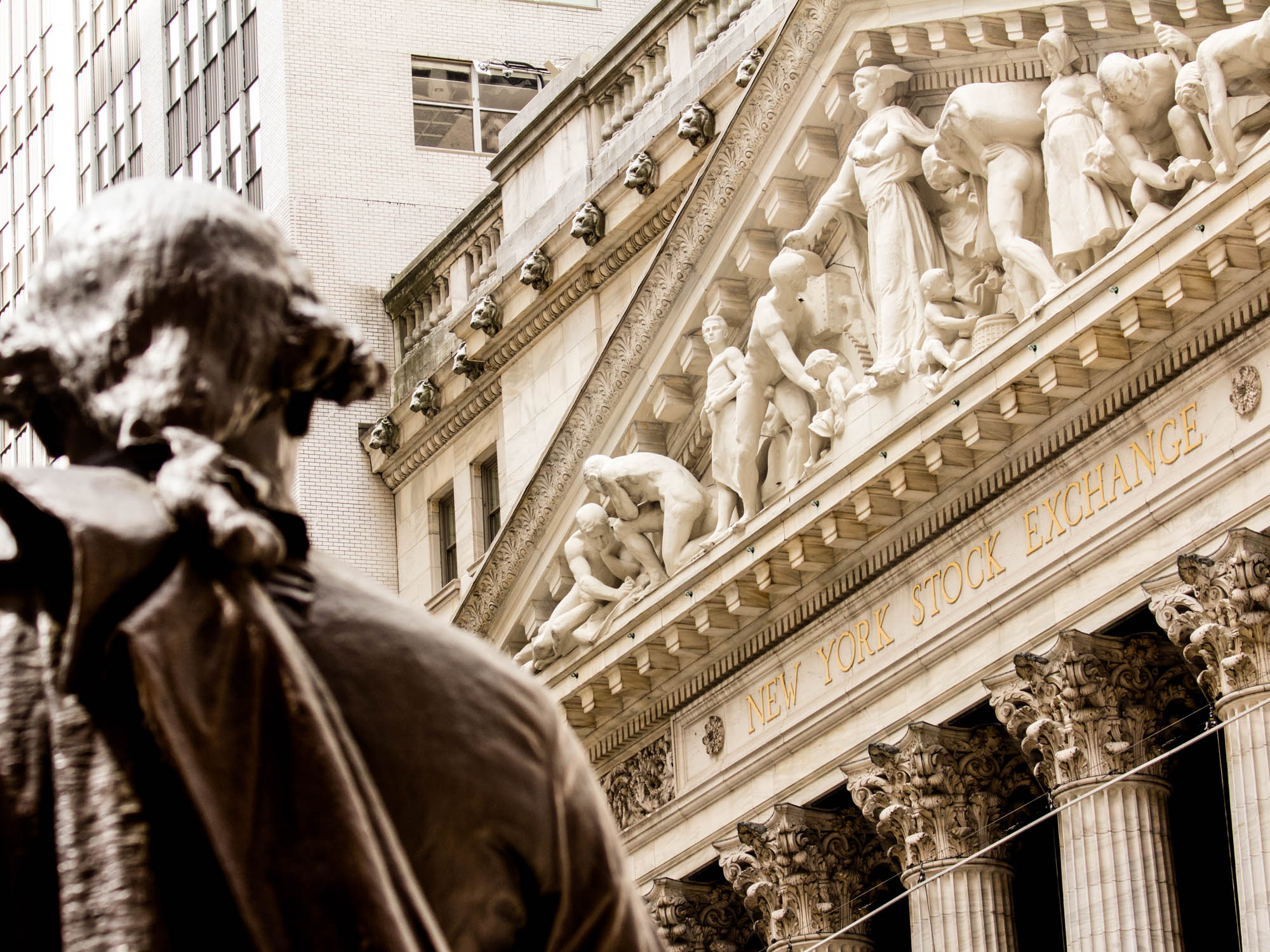 George Washington Statue and NYSE