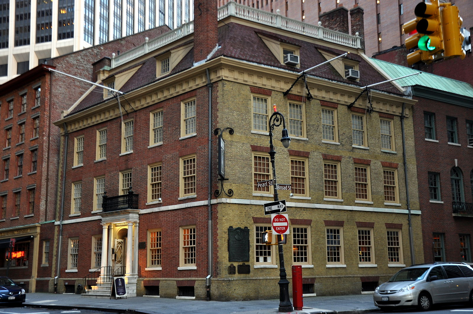 Fraunces Tavern in NYC: Where Dining and History Meet